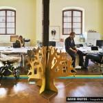 Mini árbol de cartón. Un espacio de coworking que contagia optimismo.