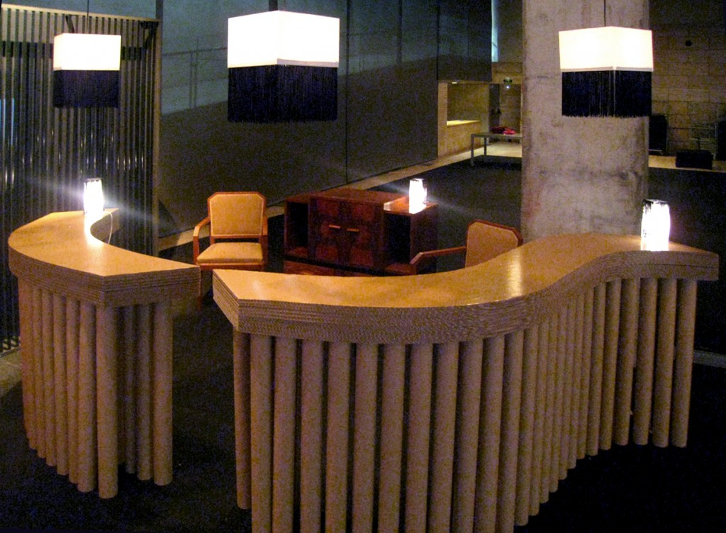 mueble de tubos de cartón stand artmosfera diseñado por Cartonlab