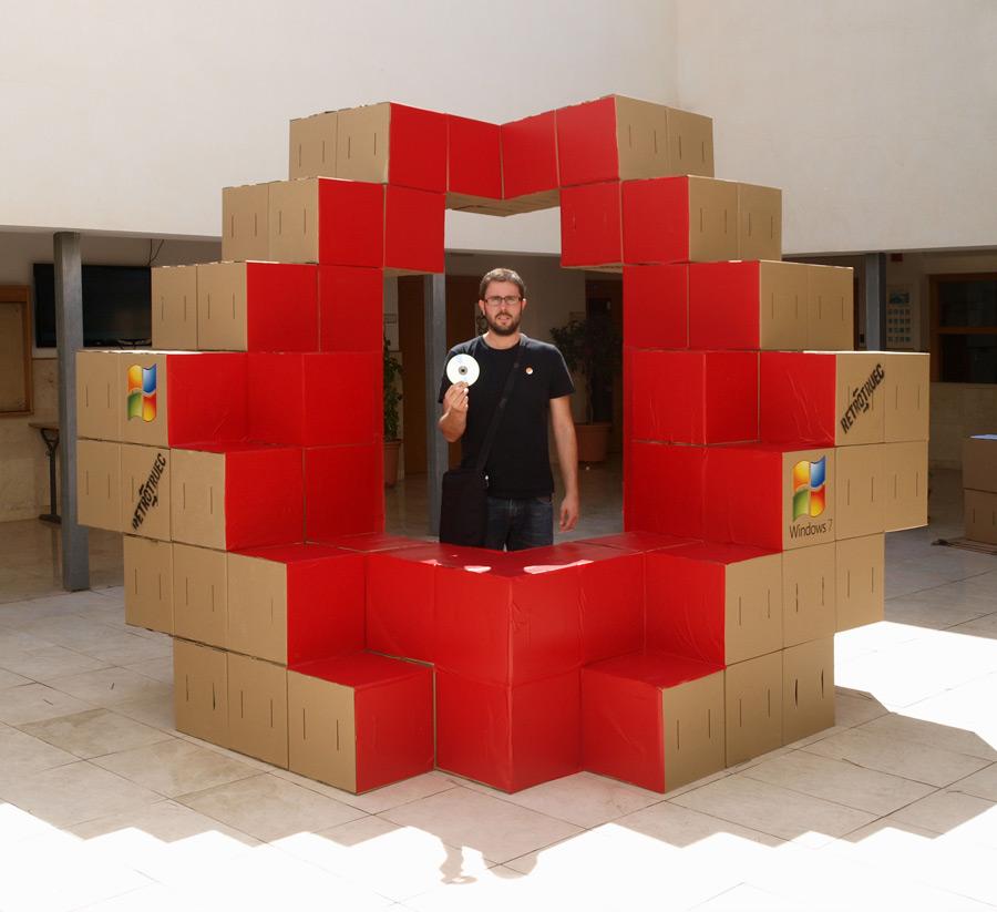 stand-carton-modular-cartonlab-microsoft-cardboard (5)
