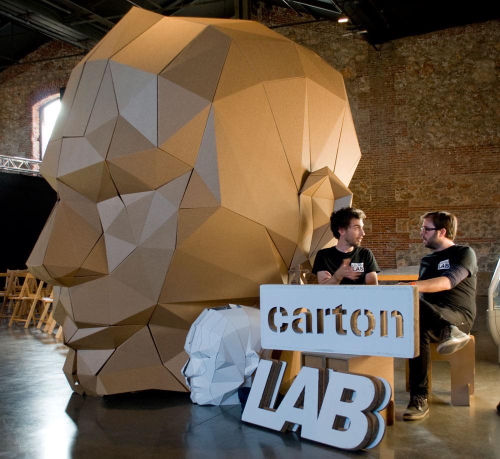 zincshower-stand-carton-cartonlab-cardboard-design-01
