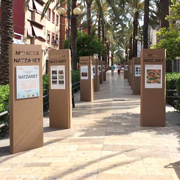 Expositores totem para eventos y exposiciones - Carton valencia ...