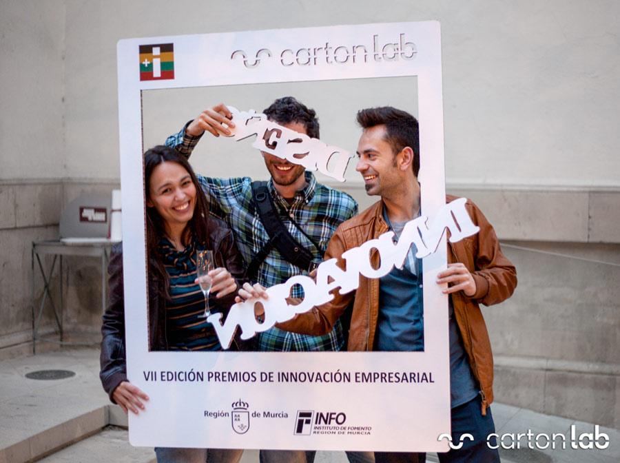 premio innovacion empresarial cartonlab photocall fotocall letras carton