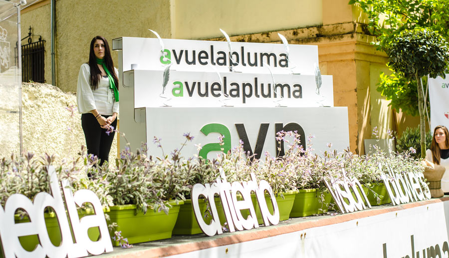 premios-avuelapluma-podium-carton-cartonlab (2)