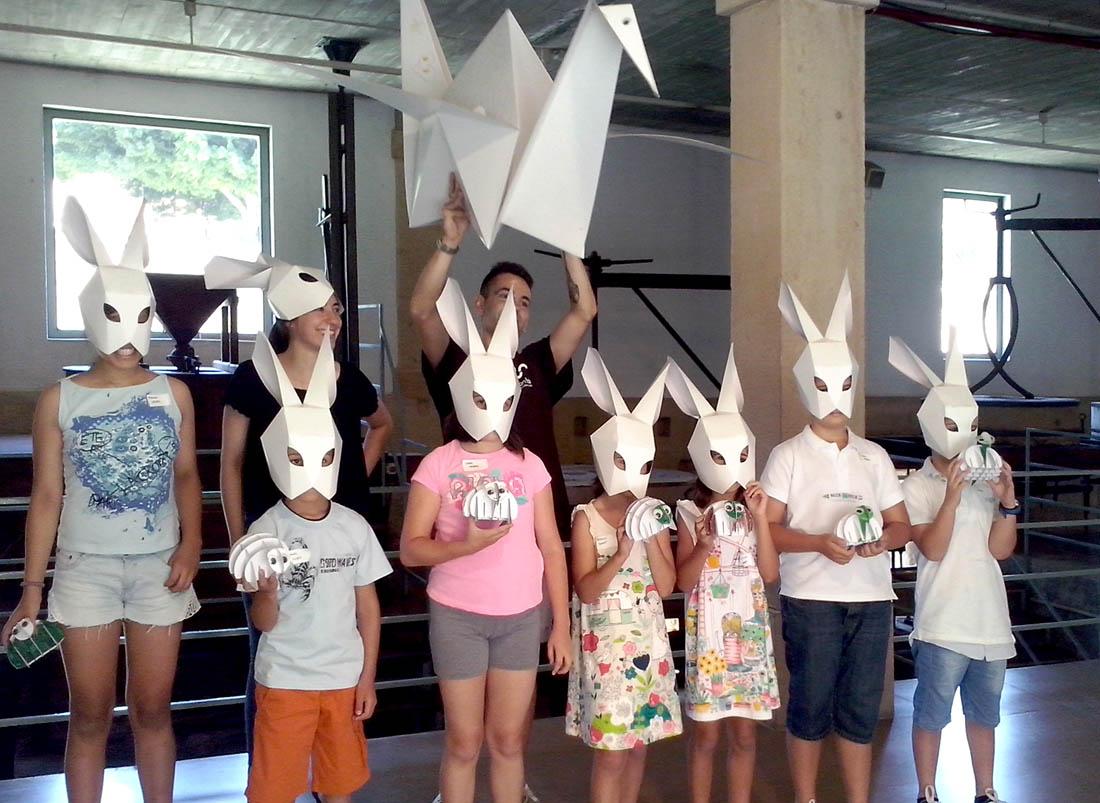taller-creatividad-conejo-carton-cartonlab-molinos