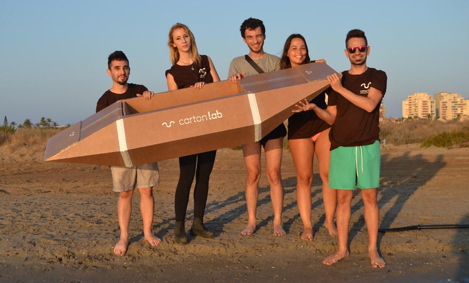 kayak carton cardboard cartonlab teambuilding
