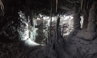 cueva-de-carton-processo-grottesco-arte-01