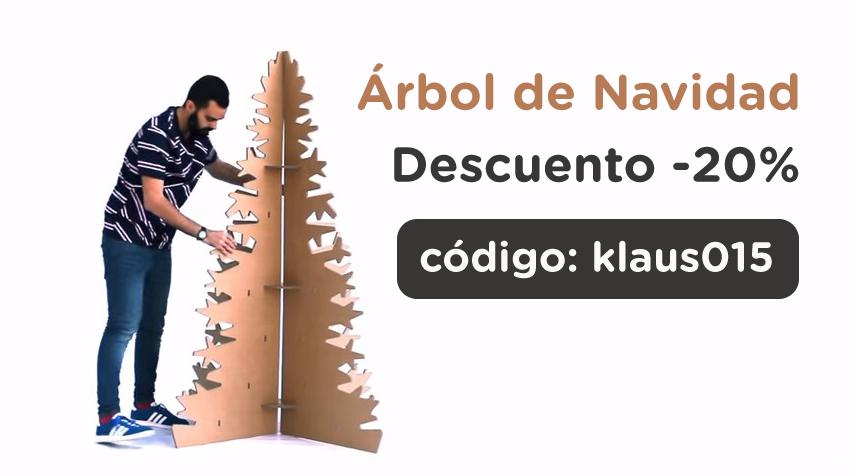 Arbol de navidad con carton serie de luces en la pared for Arbol de navidad con cajas de carton