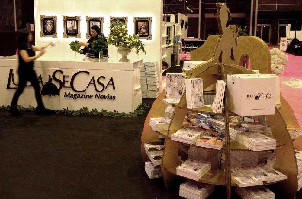 stand para feria de bodas lucia se casa cartonlab expositor llamativo impactante destacable
