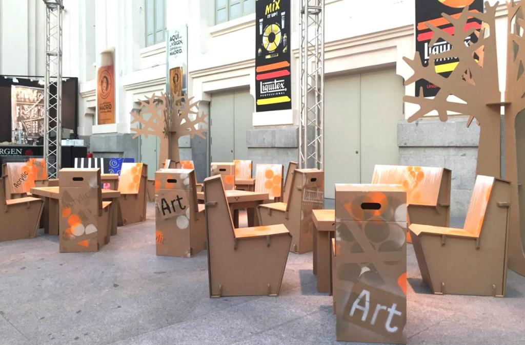 muebles de carton silla carton eventos corporativos empresariales sostenibles arte Cartonlab