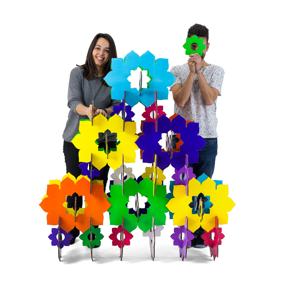 biombo-muro-flores-carton-cartonlab-thader