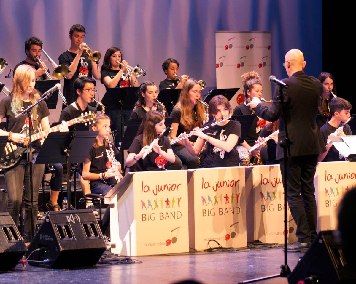 atriles para musicos conciertos musicales plegables reutilizable carton junior big band cartonlab