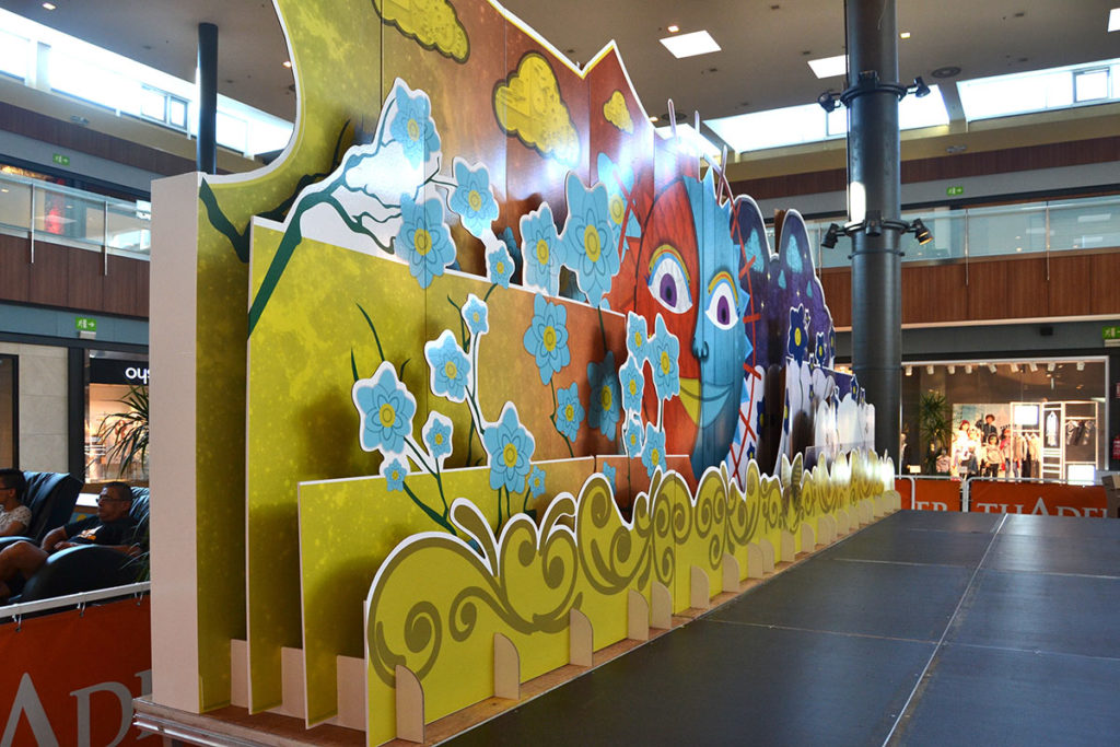 escenografia fondo decorado centro comercial thader cartonlab