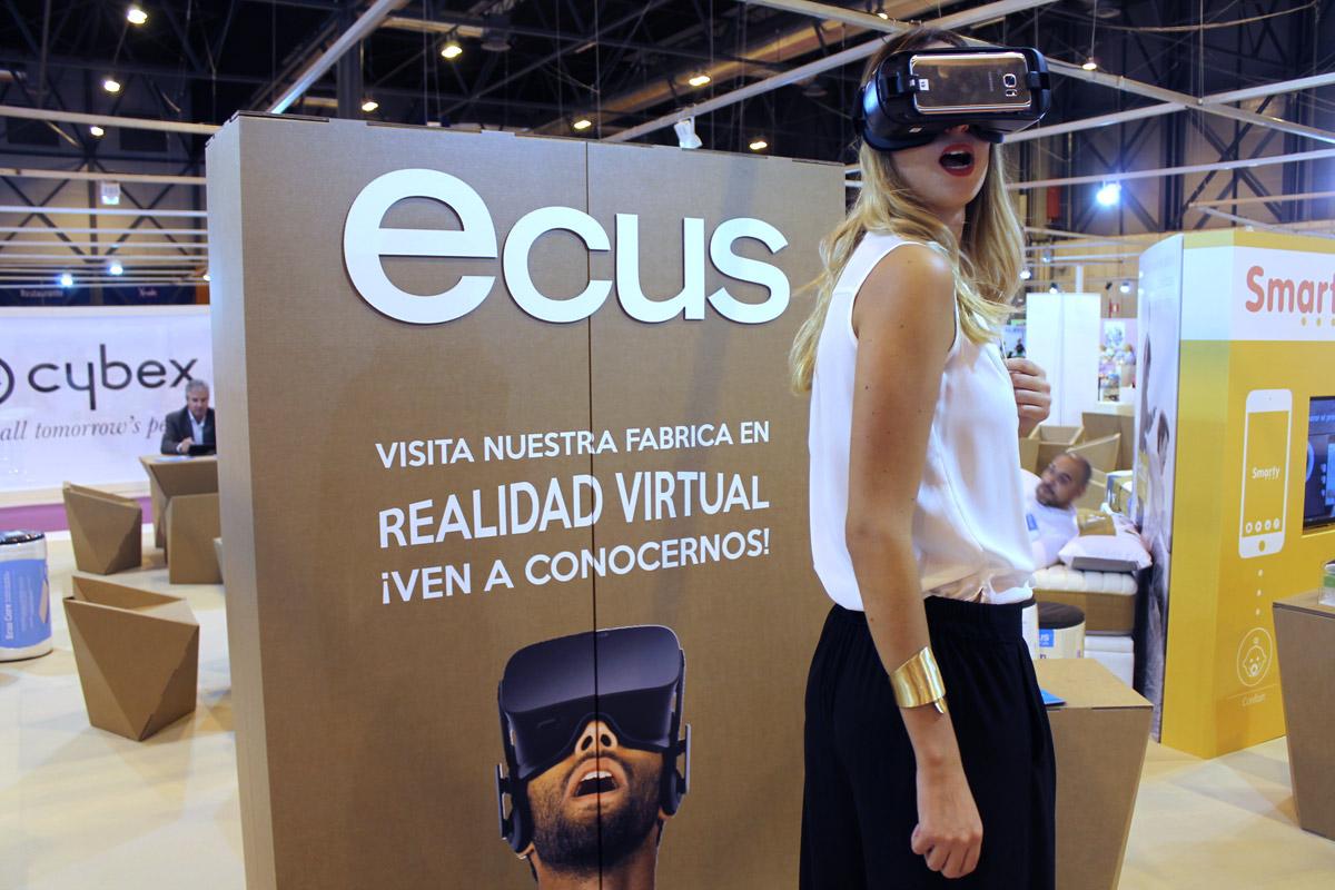 stand-puericultura-realidad-virtual-ecus-cartonlab