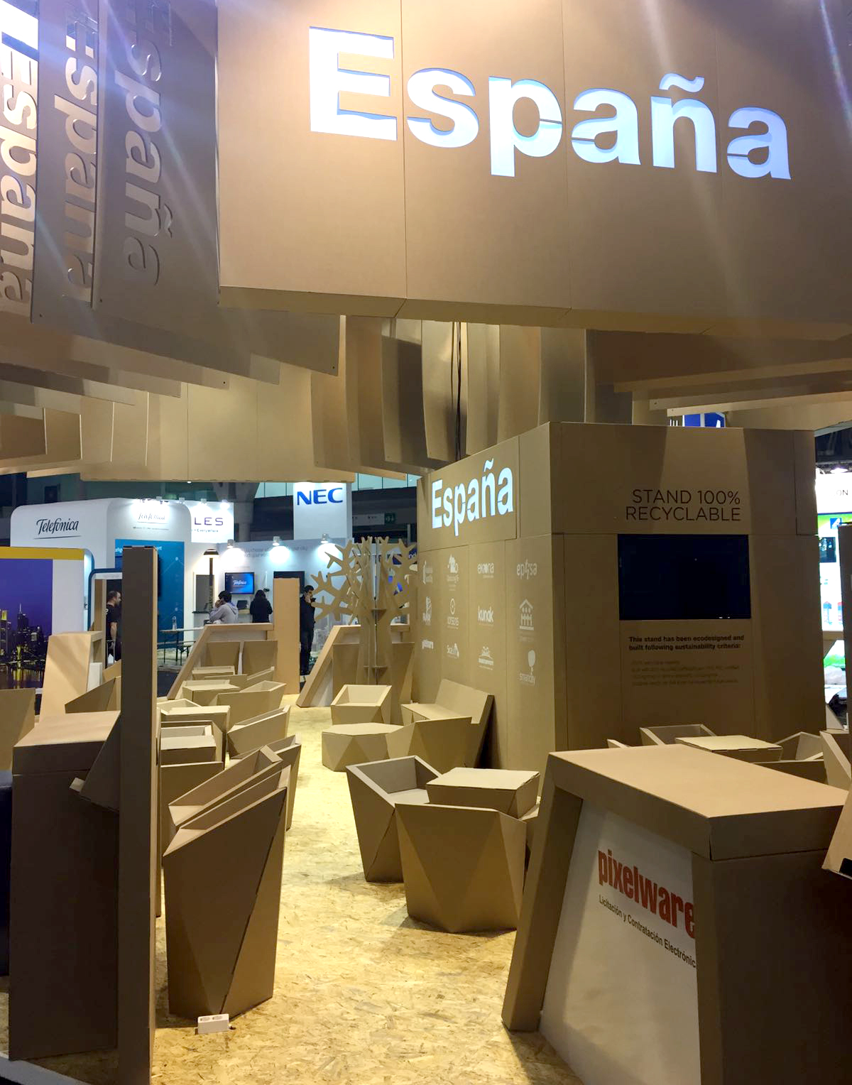 stand-ecodiseño-Smart-City-Expo-World-Congress-booth-cartonlab-cardboard-tradeshow-icex02