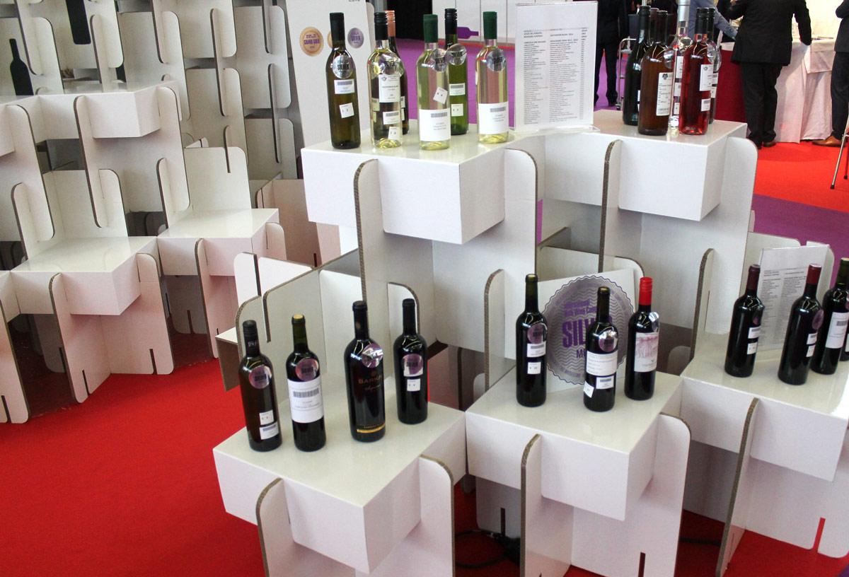 stand para feria de vino world bulk wine exhibition cartonlab diseño modular expositor