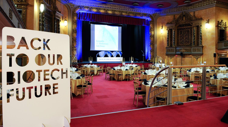 diseño-eventos-bruselas-europabio-adn-estructura-carton