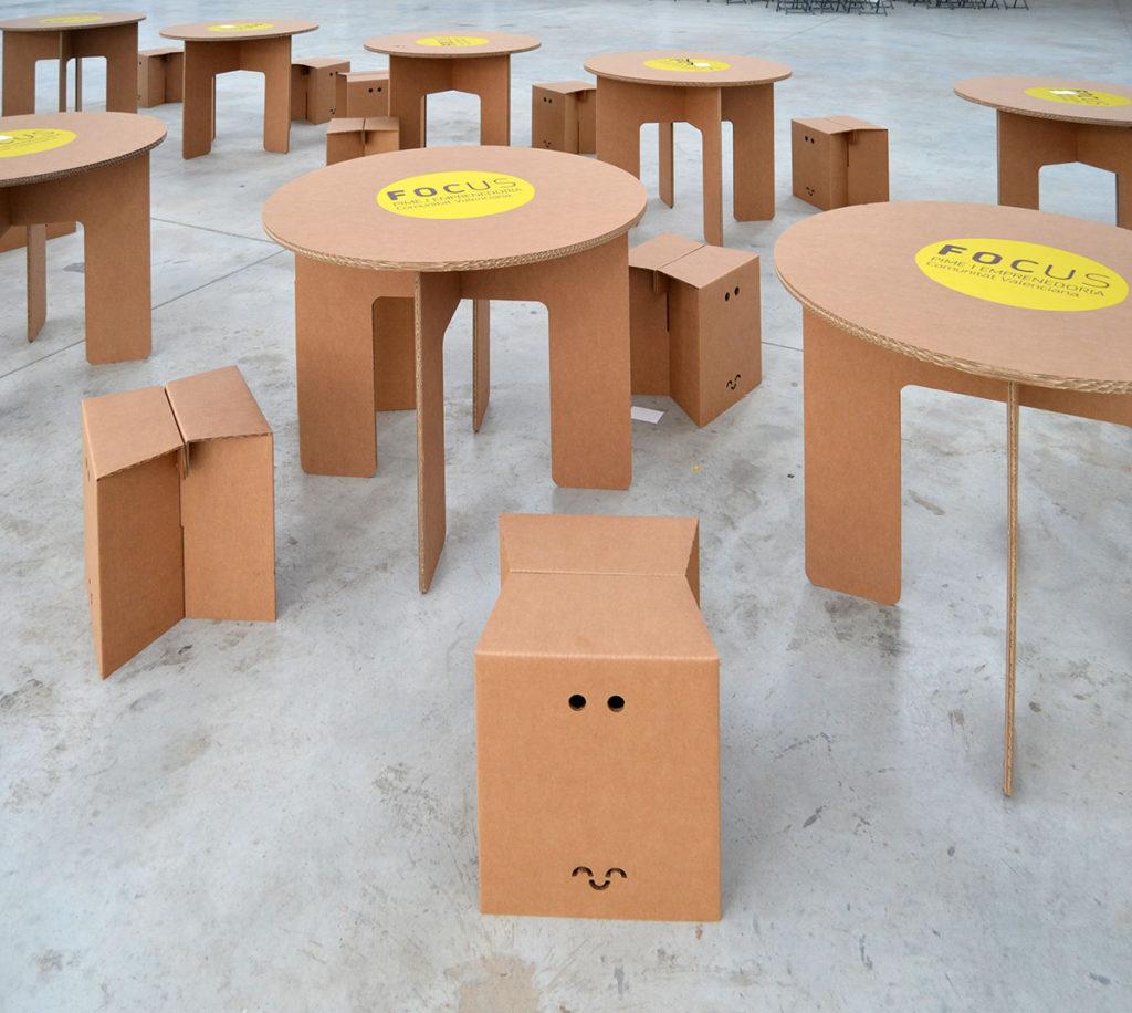 mesa carton redonda evento empresarial Cartonlab