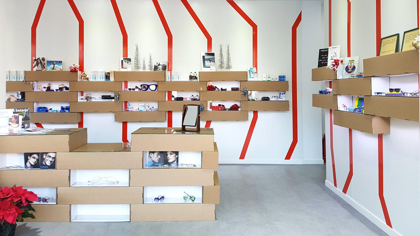 expositores para gafas carton optica almeria mostrador estantes baldas cartonlab diseño interior optica