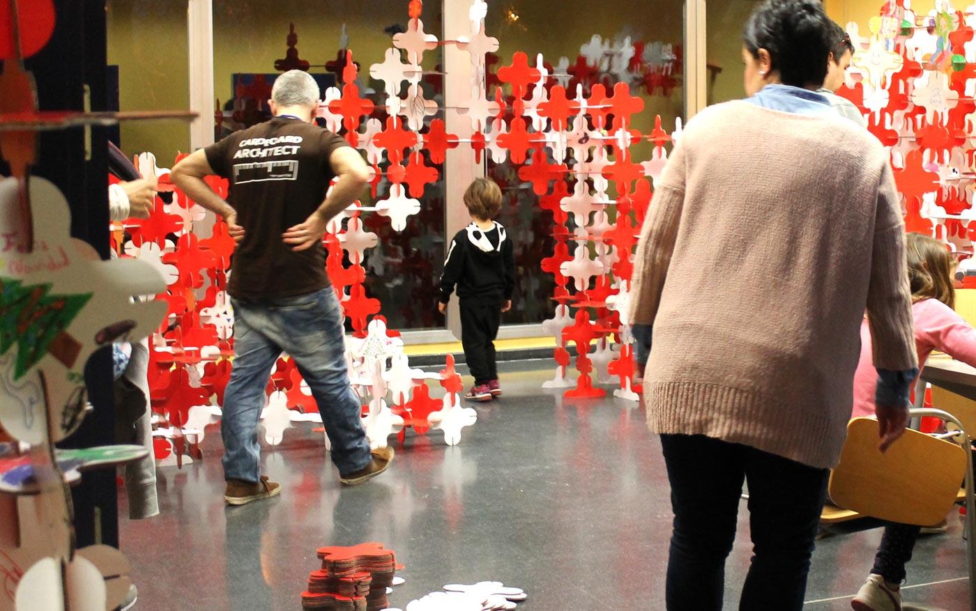 talleres infantiles navideños pozuelo de alarcon estructuras magicas en carton cartonlab