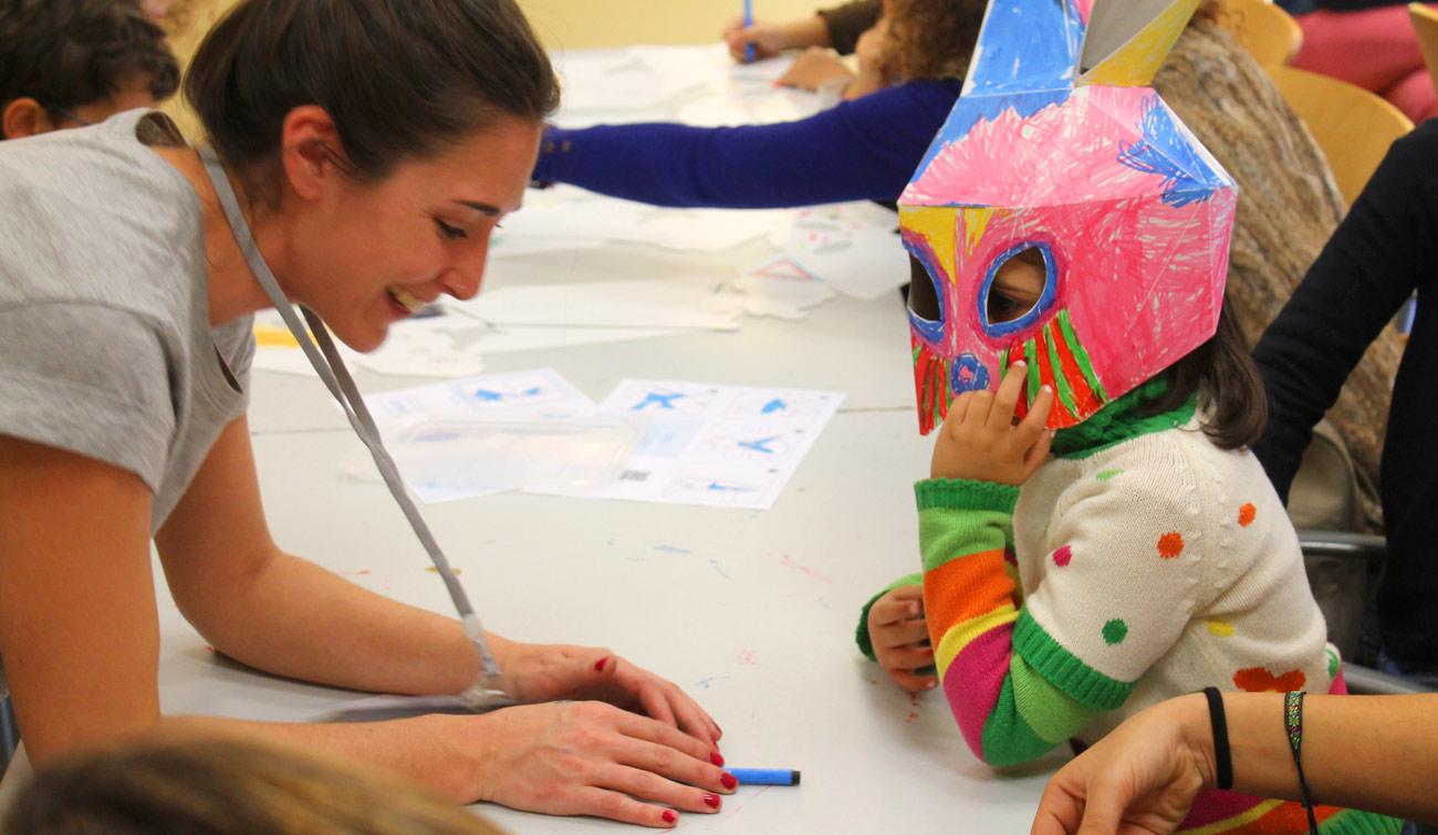 talleres infantiles navideños pozuelo de alarcon estructuras magicas en carton cartonlab mascaras conejo carton
