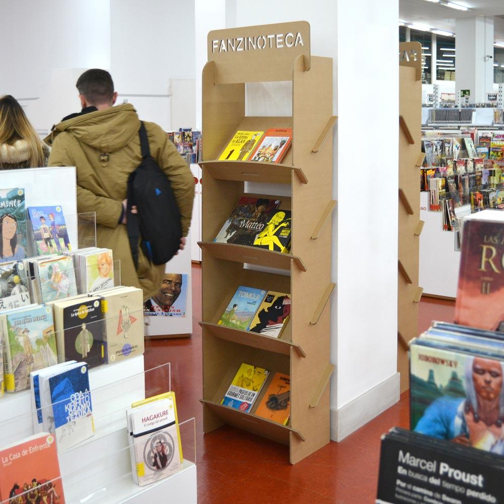 estanteria revistero portafolletos pared carton biblioteca regional murcia fanzinoteca