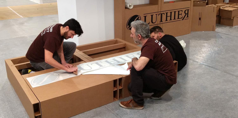 montaje instalacion stand feria ifema vinilo vinilado armario carton