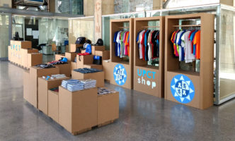 UPCT tienda pop up shop carton
