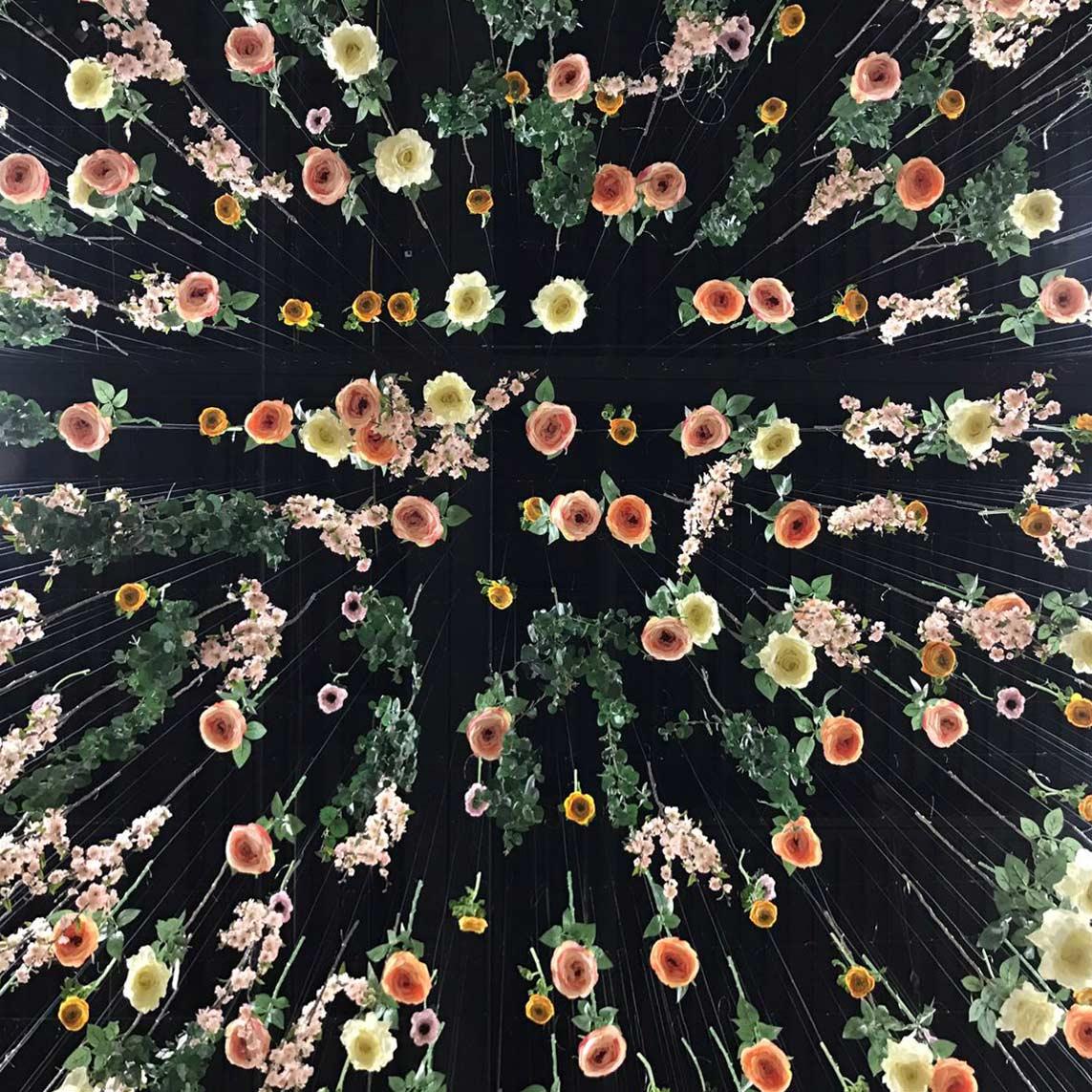 dockatot-booth-design-jpma-baby-flowers