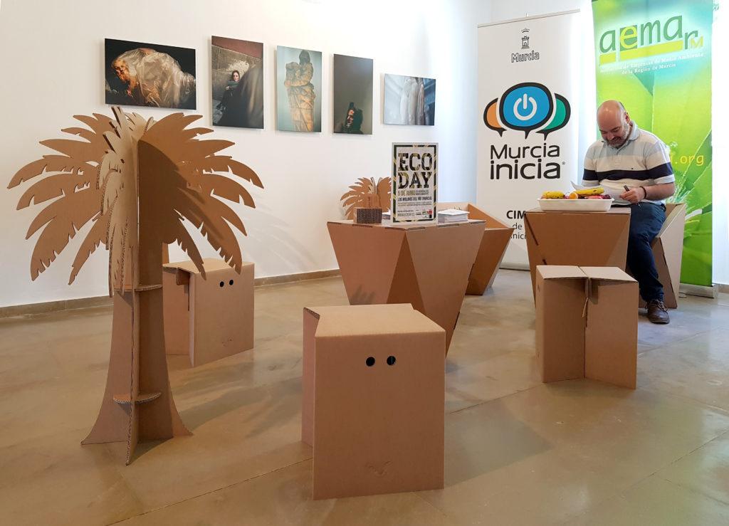 ecoday cartonlab muebles carton zona descanso reuniones taburetes mesas sillas palmeras