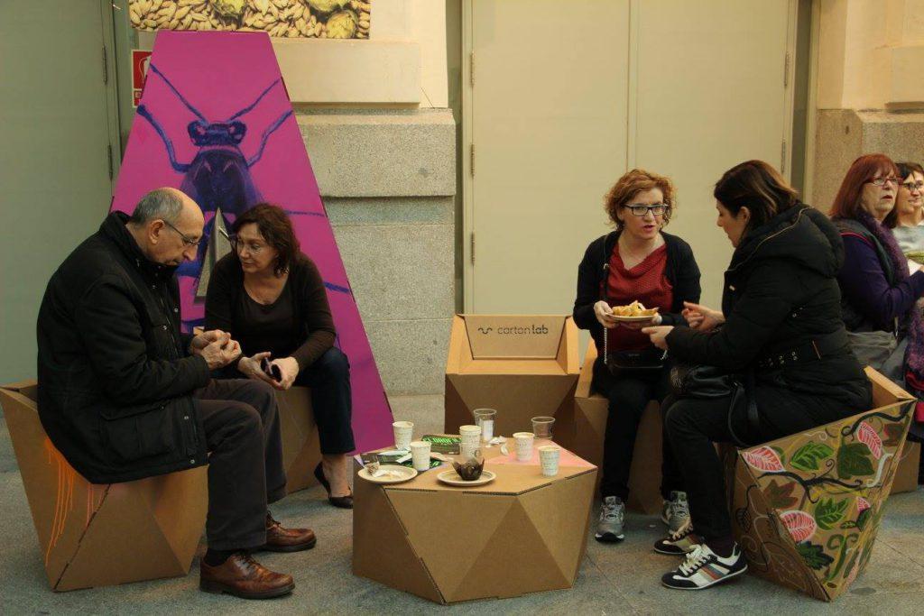 art madrid mesa geometrica carton bajita cafe eventos Cartonlab