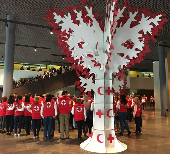 árbol gigante de cartón