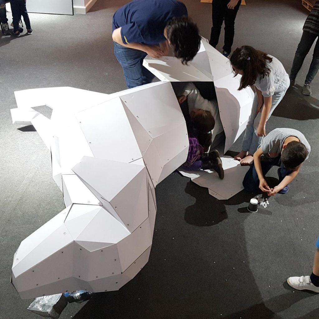figuras-carton-perro-lowpoly-taller