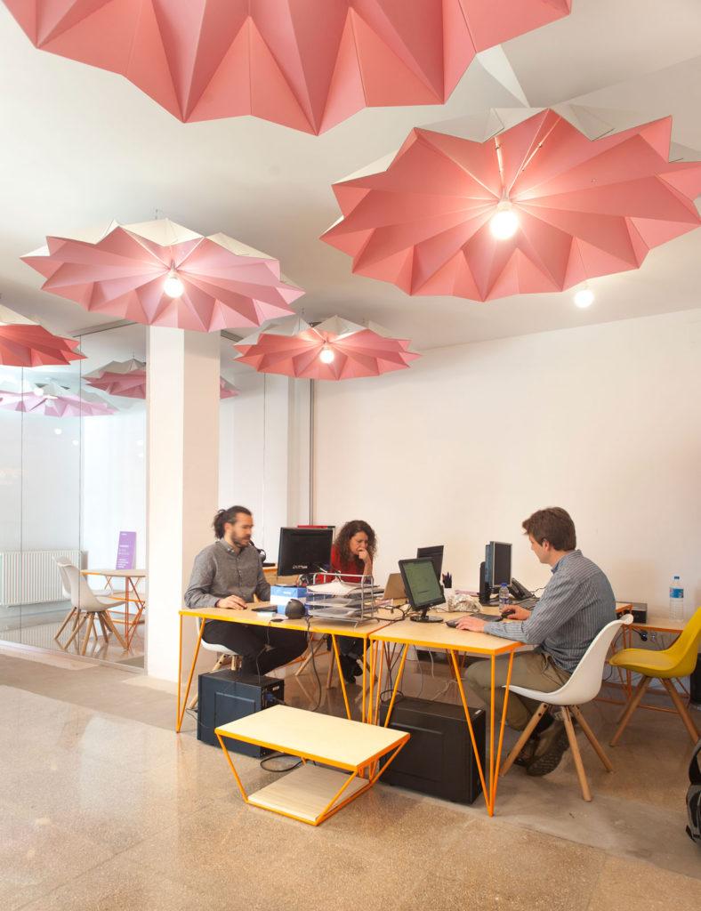 lámparas de techo de cartón origami