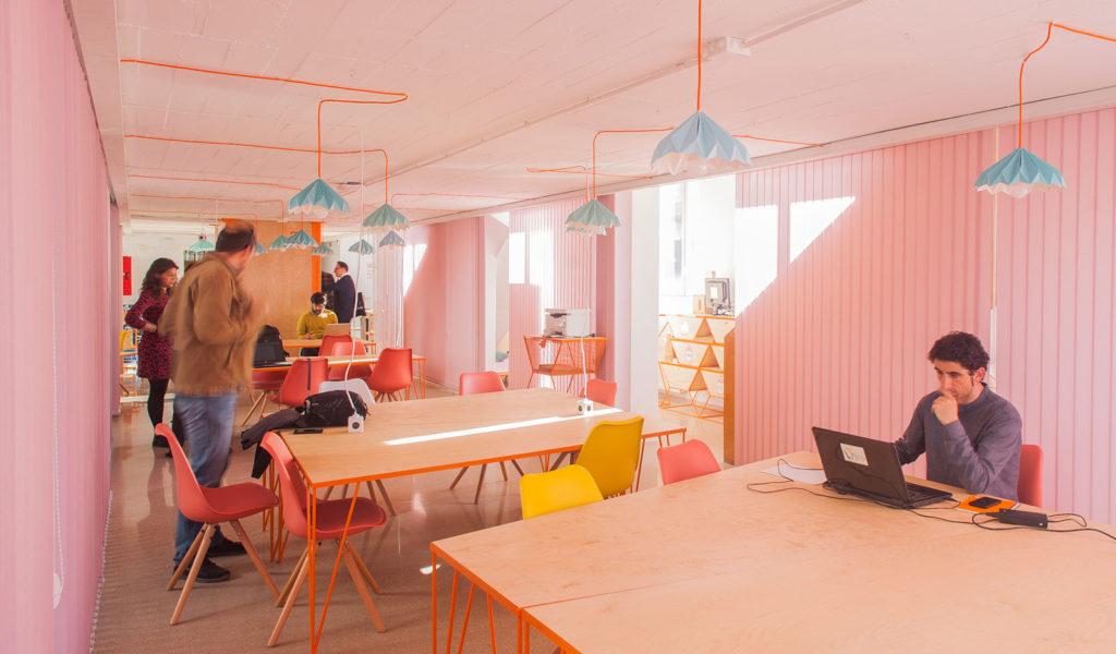 lámparas origami de techo de cartón