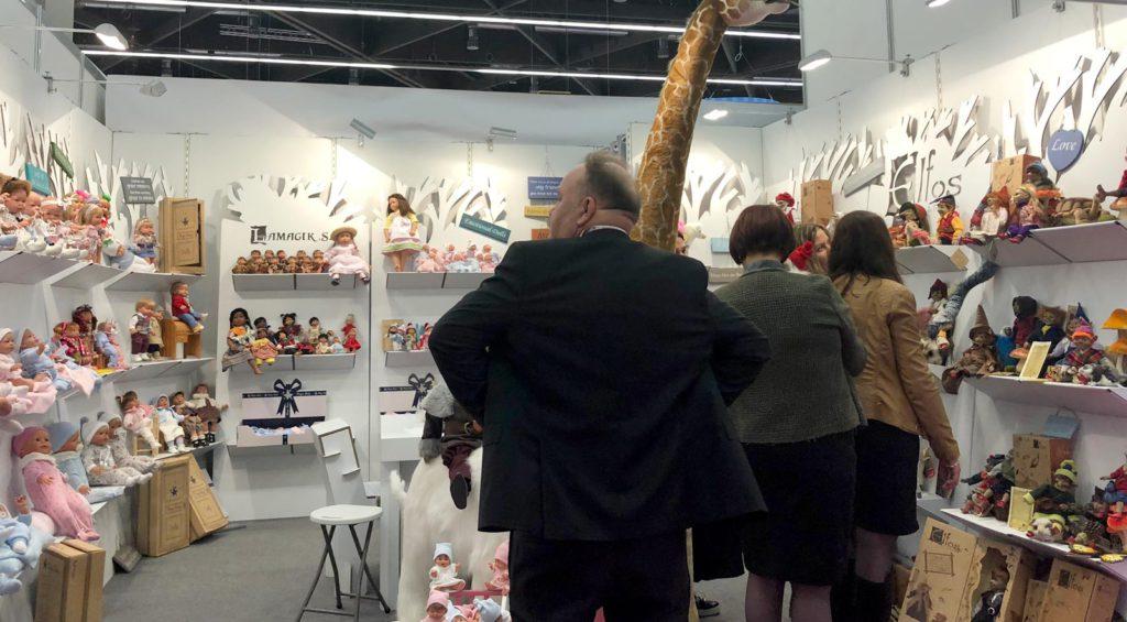 Vista general enviada por el cliente de nuestros productos, ya montados, enla Feria Internacional del Juguete de Nuremberg.