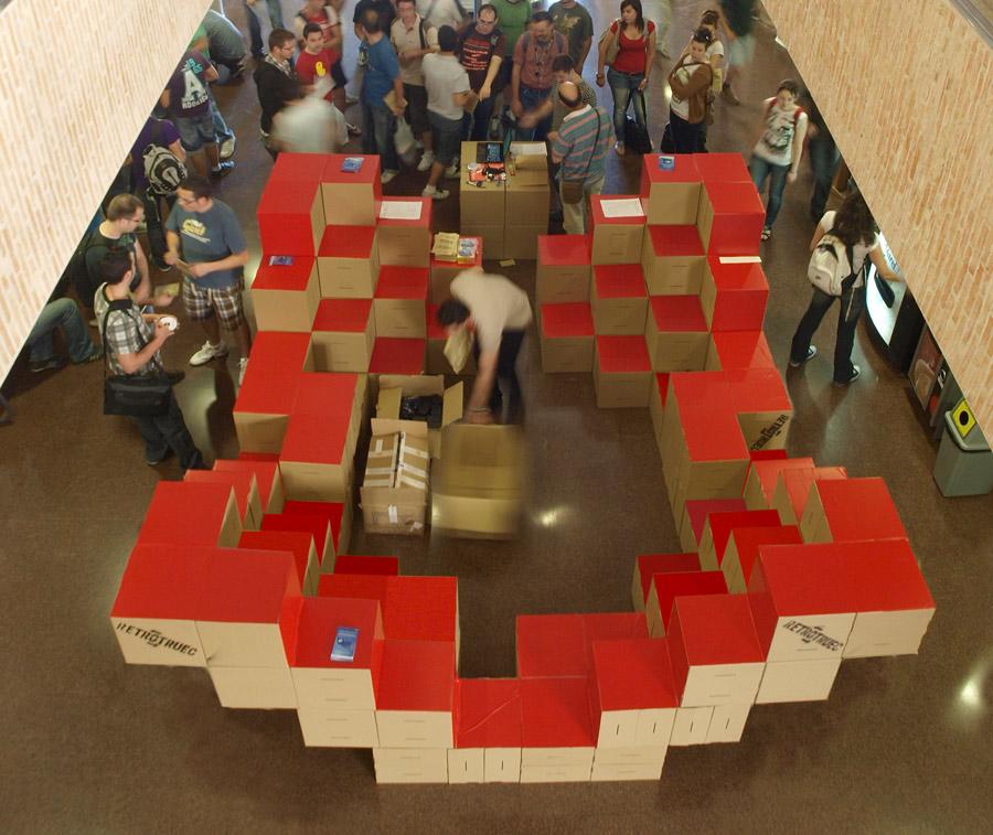 stand-carton-modular-cartonlab-microsoft-cardboard (2)