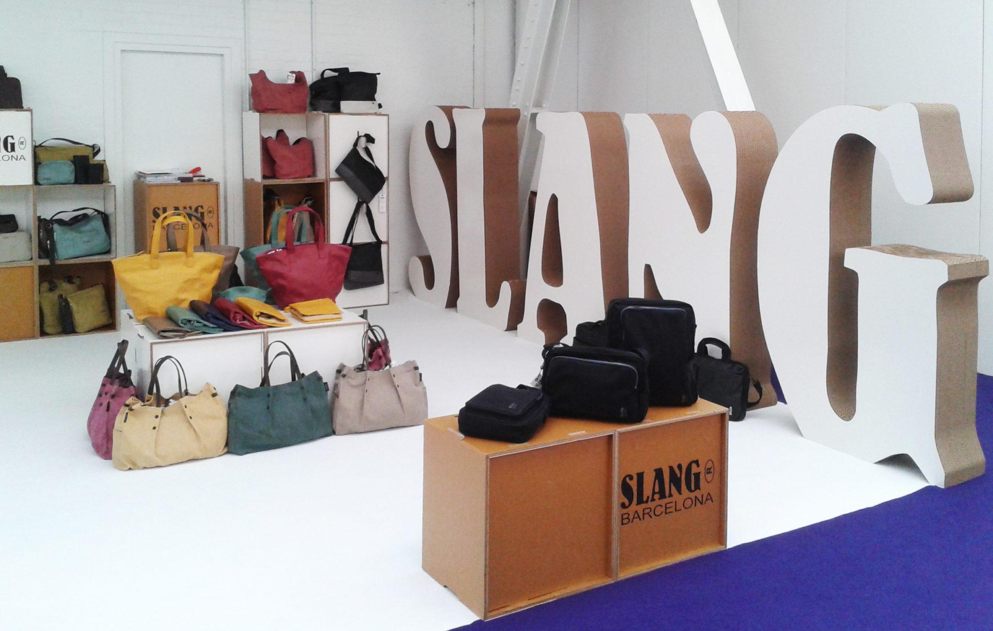 stand-de-carton-purelondon-cartonlab-slang-cardboard-01 d1d7d7717ac6