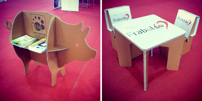 Expositor-cerdo y mobiliario del stand en Sepor Lorca