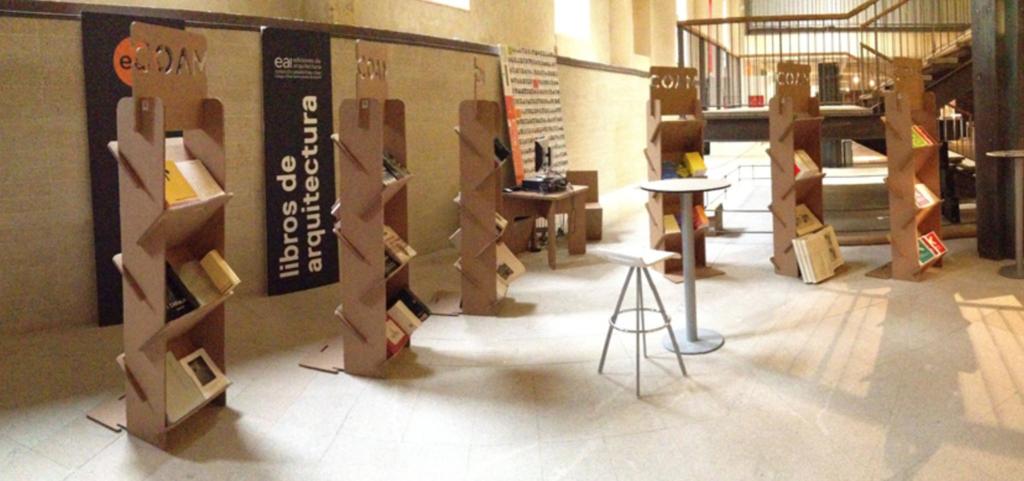 expositores portafolletos revistero carton casa arte Cartonlab