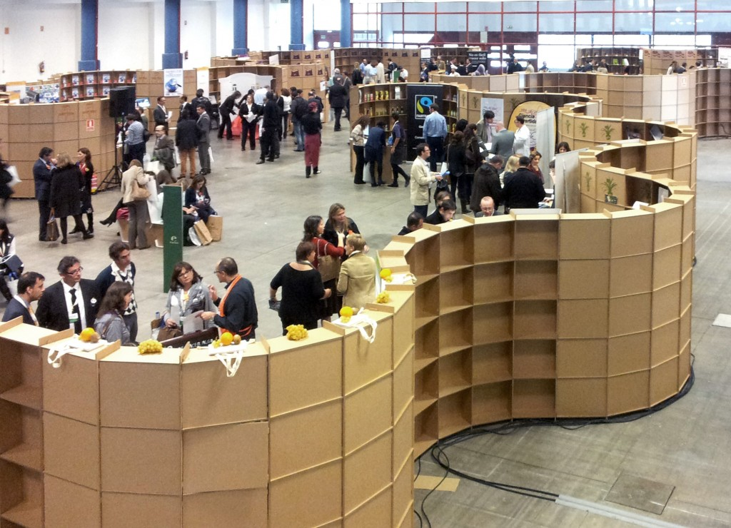 marketplace-stands-cardboard-cartonlab-02