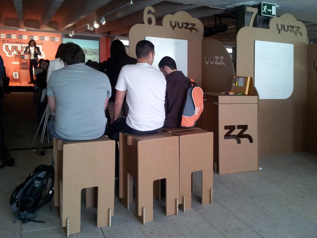 Yuzz_cartonlab_stands-carton-10