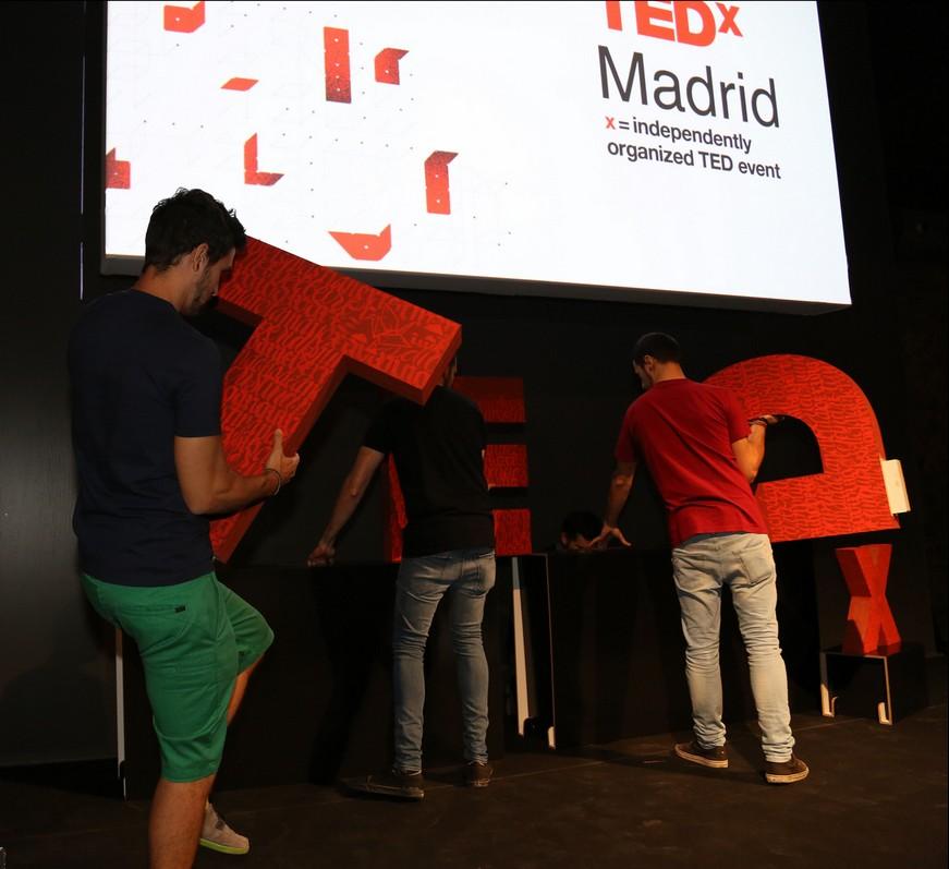tedxmadrid_cartolab_letters_cardboard-7