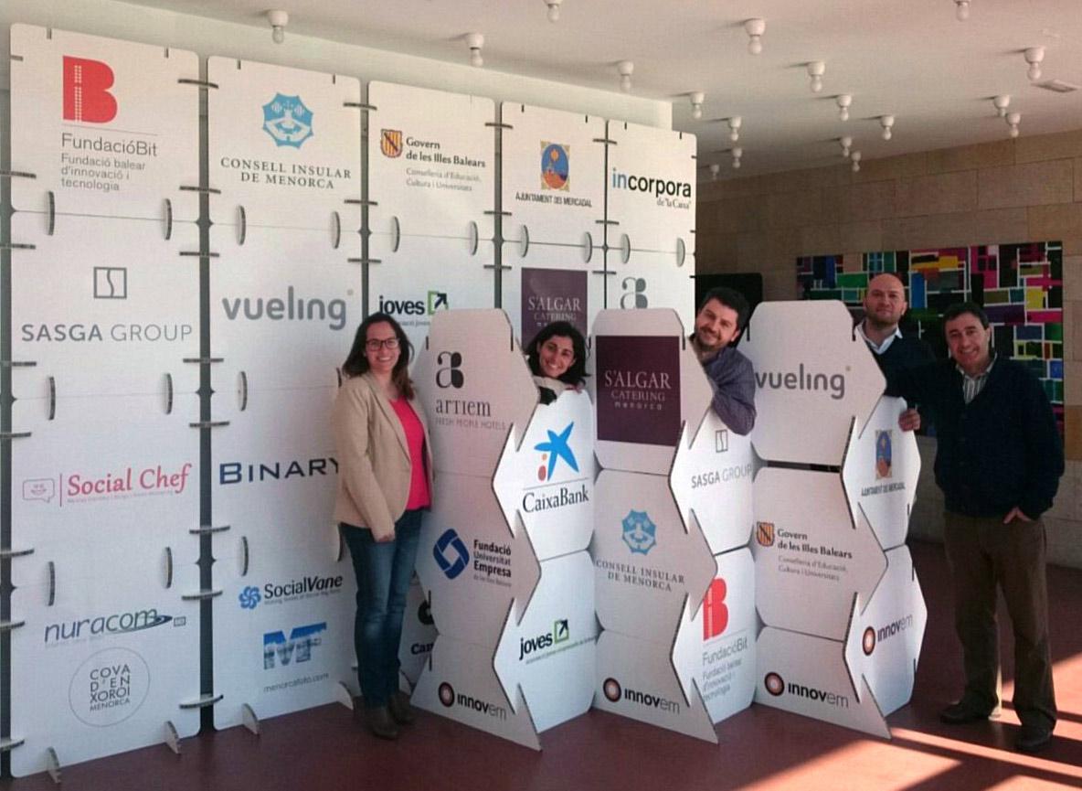 photocall organizacion de eventos sostenibles biombo diseño modular cartonlab