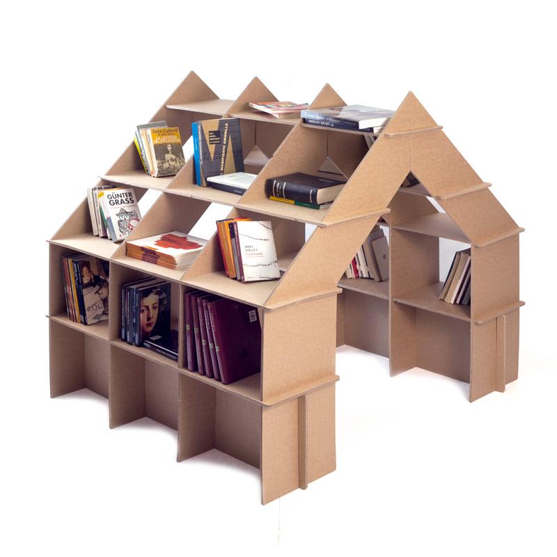 casita estanteria carton libros
