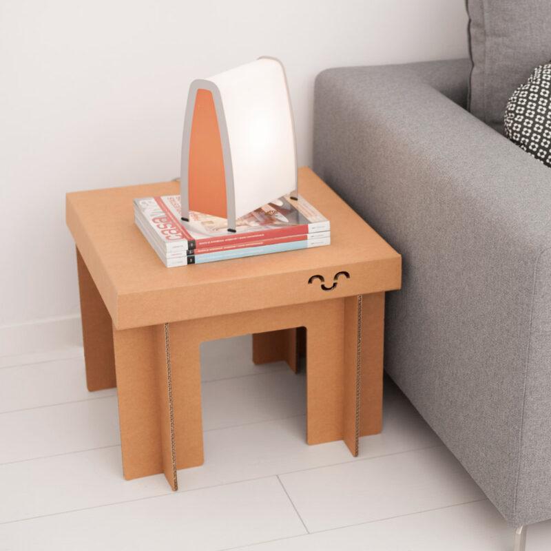 mesa cartón cuadrada resistente baja