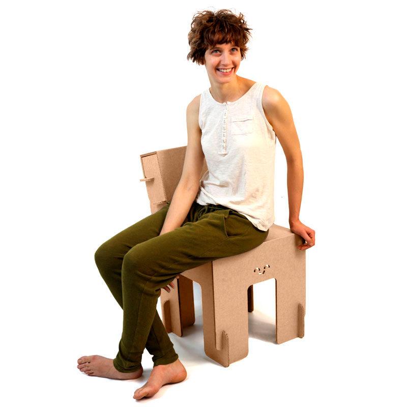 silla carton Taray sentada