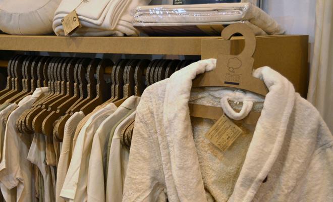 Perchas de carton organic cotton stand