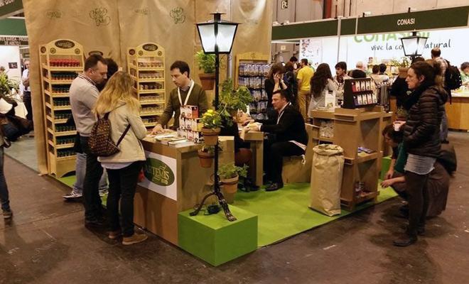 stand-carton-biocultura-cartonlab-Herbes-de-Molí