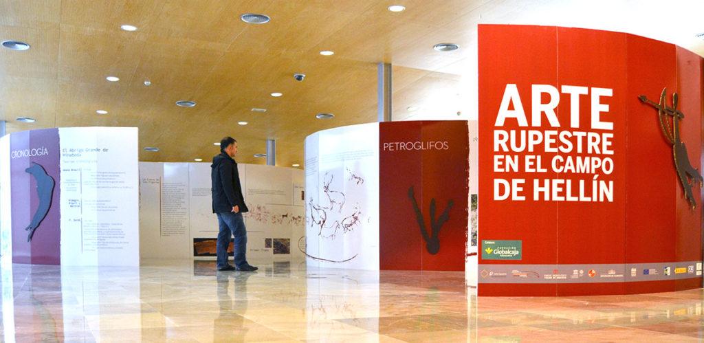Diseño de paneles para exposición