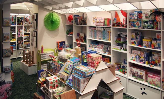 Muebles de cartón para eventos infantiles en Children City, Mónaco